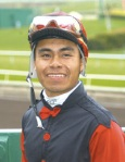 Martin Garcia rode the rail to victory Sunday aboard #5 Champagne d'Oro.